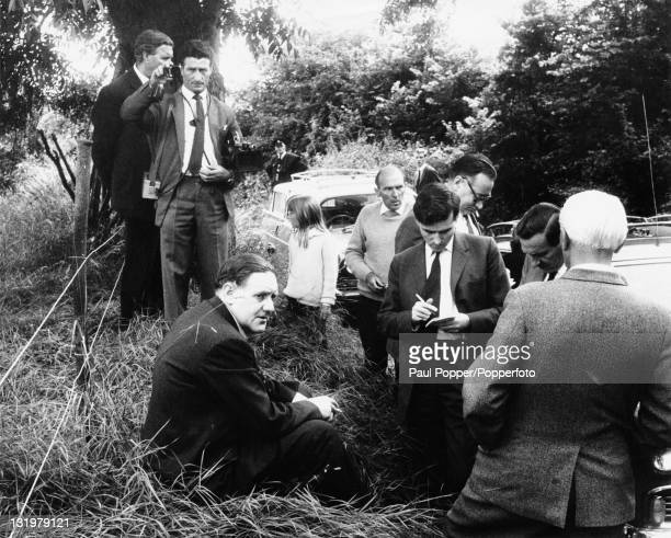 Police detectives at Leatherslade Farm in Buckinghamshire the hideout for The Great Train Robbers 13th August 1963 Seated on the left is Detective...