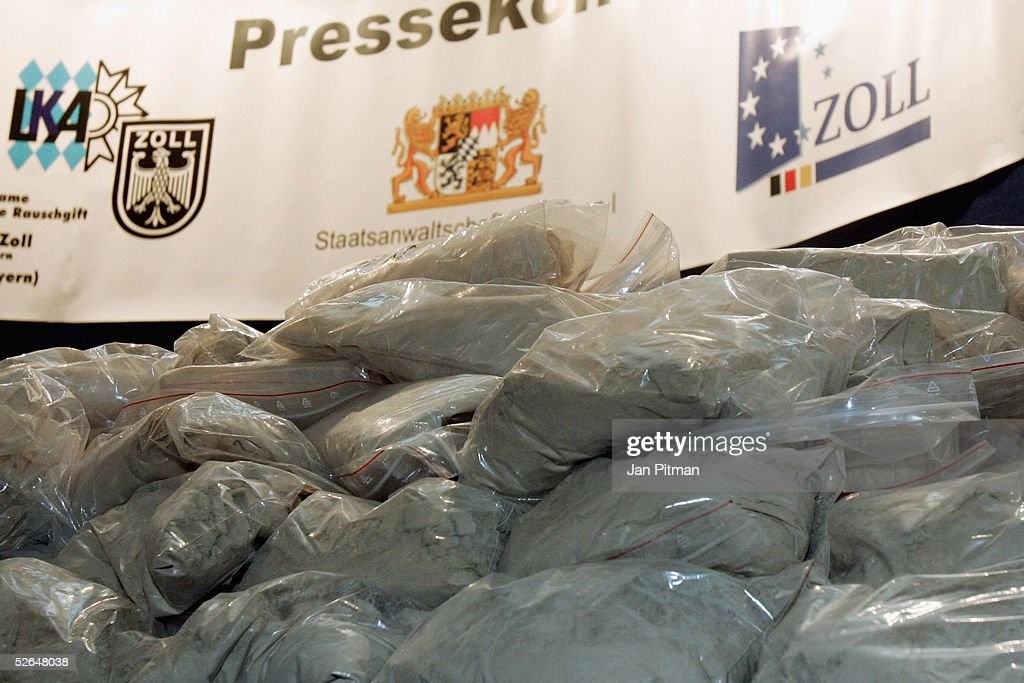 Bild EinbettenLizenz. Police Display 120 Kilos Of Smuggled Heroin That Was  Seized From Turkish Smugglers, On April