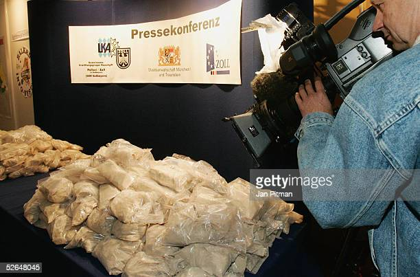 Police display 120 kilos of smuggled heroin that was seized from Turkish smugglers on April 19 2005 in Munich Germany About 600 kilos of heroin have...