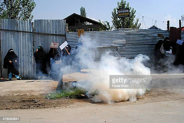 CONTENT] Police fired tear gas canisters and batons to disperse muslim women protestors in old city SrinagarKashmirA strict curfew was imposed by...