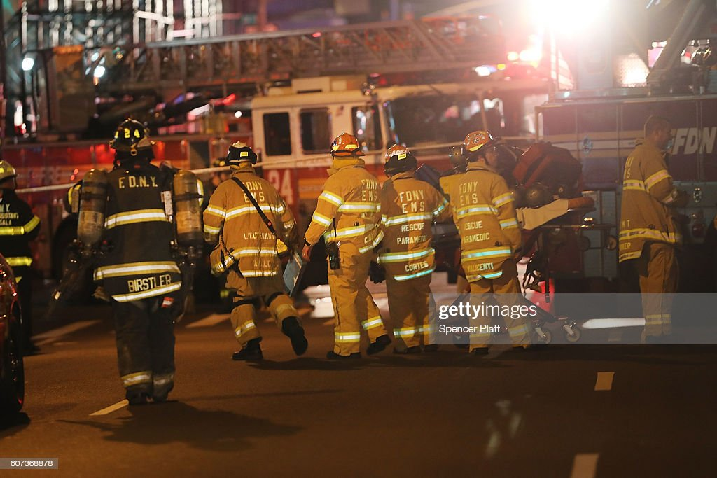Explosion Reported in Chelsea Neighborhood of New York City : News Photo