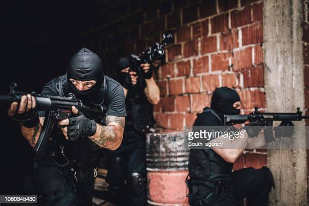 police force mission - special forces stock pictures, royalty-free photos & images
