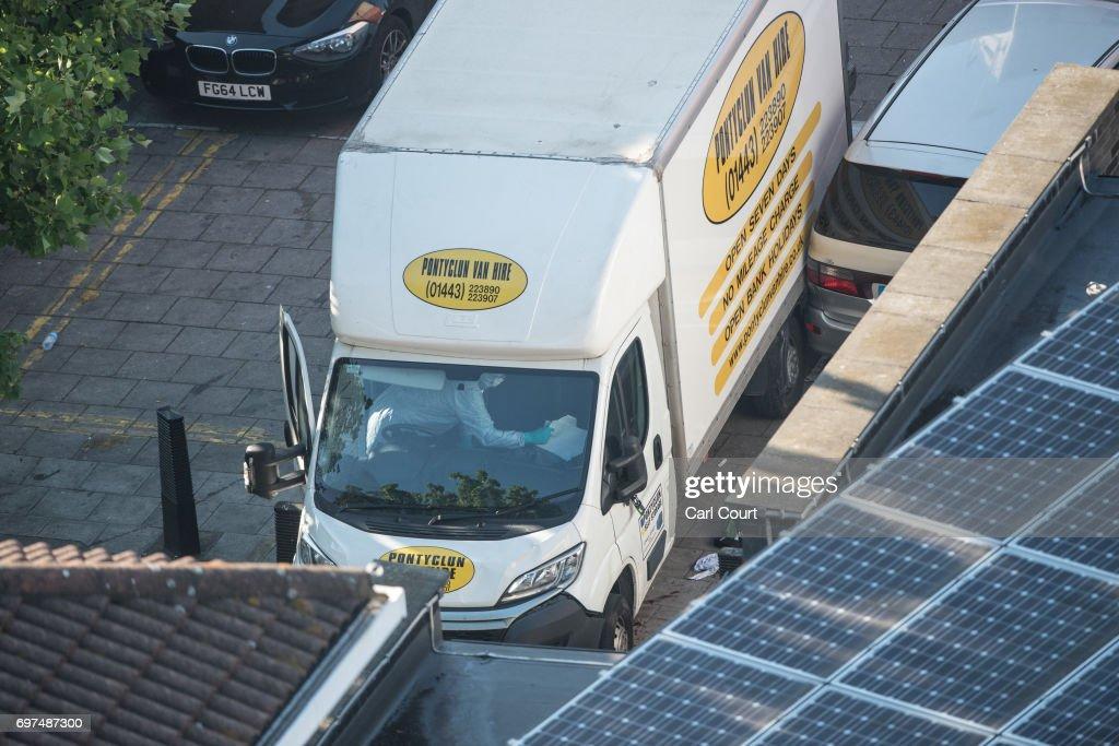Van Strikes Worshippers Leaving Ramadan Prayers In London Killing One : News Photo
