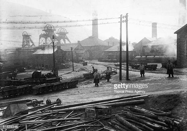 Police guarding the Glamorgan Colliery during the strikes and riots in the coalmining town of Tonypandy in the Welsh Rhondda November 1910