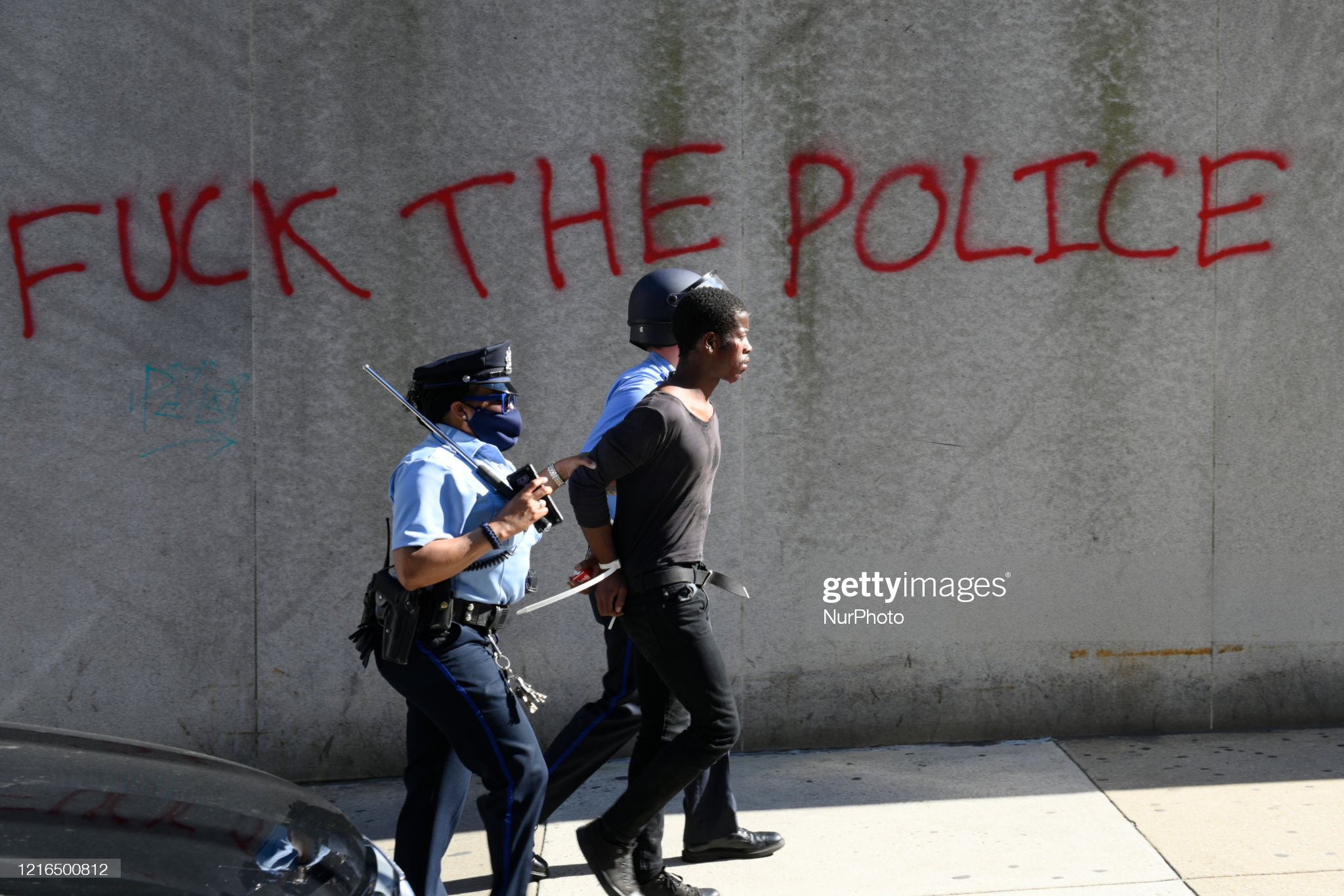 police-handle-an-arrested-africanamerica