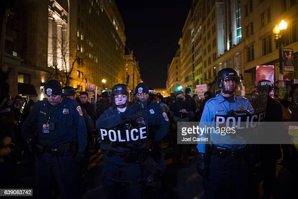 Police in Washington DC in riot gear