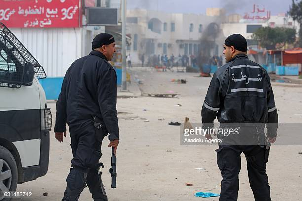 Police intervene protesters demanding social rights to citizens and resolution of the crisis at Ras Jadir border crossing btween Libya and Tunisia in...