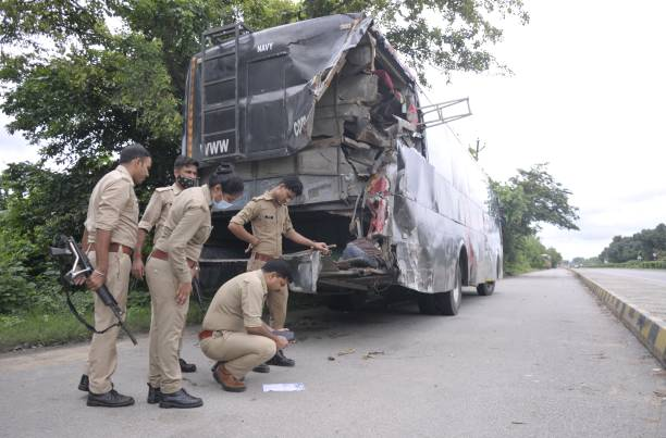 IND: 18 People Killed As Speeding Truck Rams Into A Bus In Barabanki