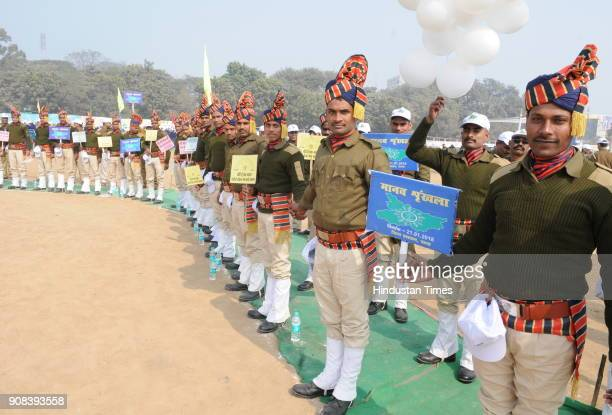 Police Jawans participating at World's longest human chain to create awareness against dowry and child marriage on January 21 2018 in Patna India It...