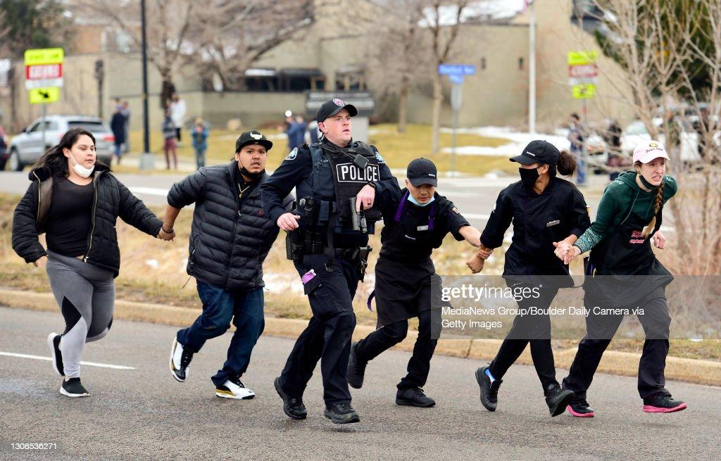 King Soopers Active Shooter Boulder : News Photo