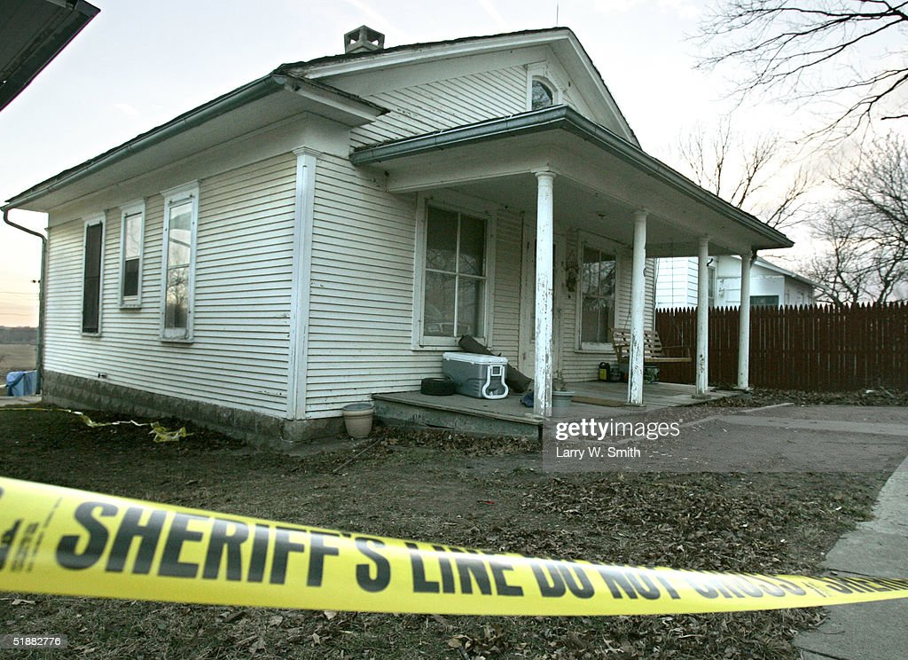 Home of Zeb and Bobbi Jo Stinnett in Skidmore, Missouri. : News Photo