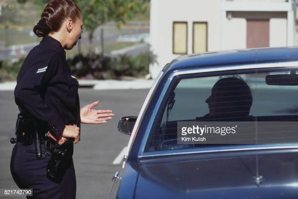 police officer during traffic stop training scenario - los angeles police department stock pictures, royalty-free photos & images