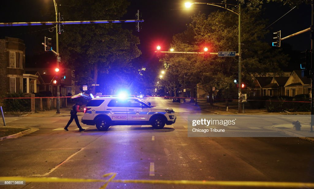 Weekend violence in Chicago leaves 32 shot, 4 fatally : News Photo