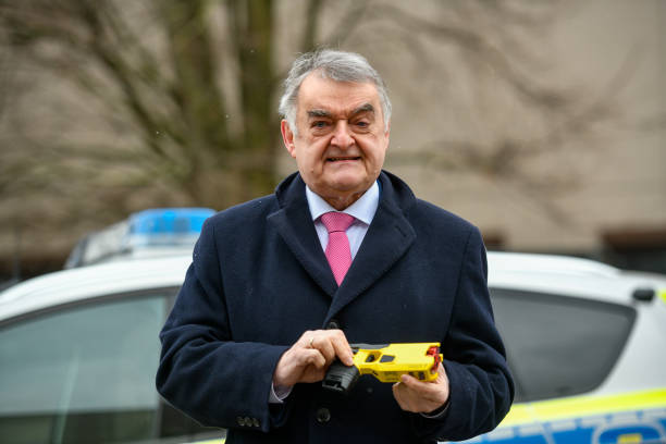 DEU: Police Begin Pilot Use Of Tasers