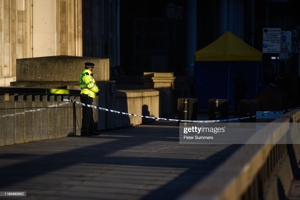 London Bridge Reopens After Attack : Nyhetsfoto
