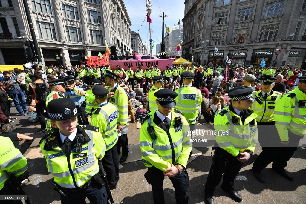 GBR: Police Evict Extinction Rebellion Protesters From Central London