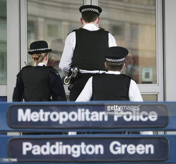 Police officers arrive at Paddington Green police station on January 26 in London,England. British detainees from Guantanamo Bay prison camp Moazzam...