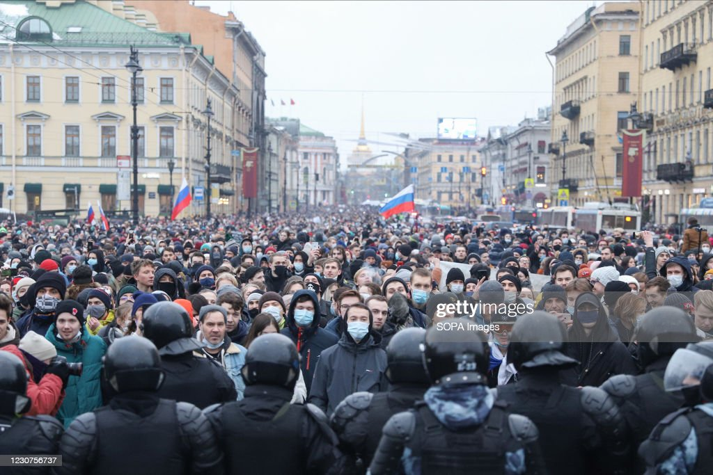 Police officers confront crowds of protesters during the... : News Photo
