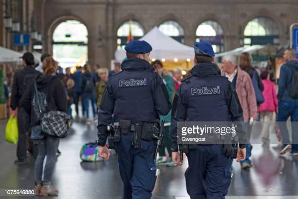 Police officers in Zürich Hauptbahnhof