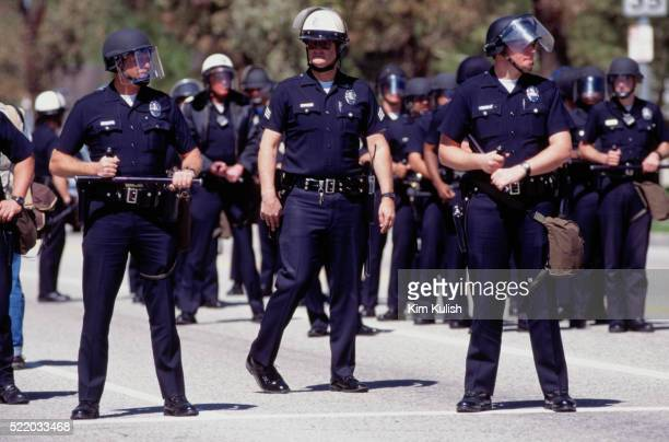 police officers outside o.j. simpson trial - los angeles police department stock pictures, royalty-free photos & images
