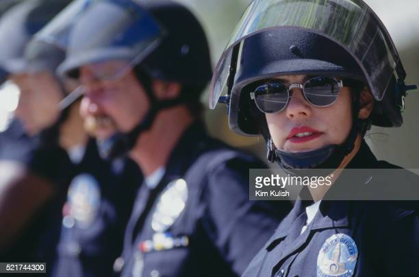 police officers outside the o.j. simpson trial - los angeles police department stock pictures, royalty-free photos & images