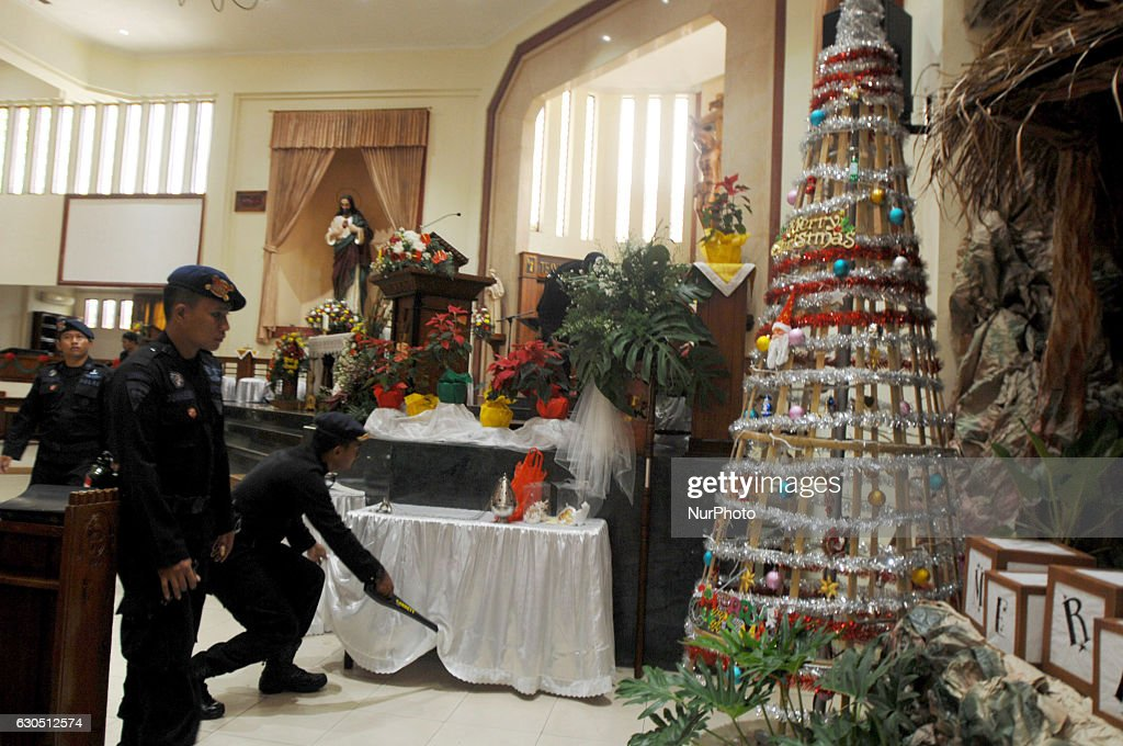 Heightened safety church : News Photo