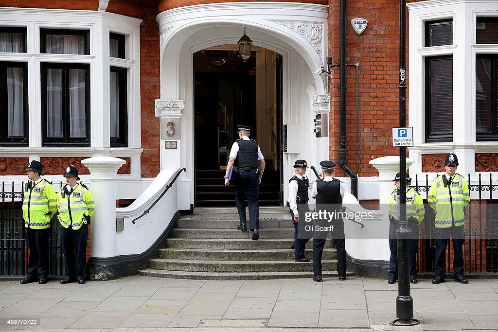 WikiLeaks Founder Julian Assange Plans To Leave The Ecuadorian Embassy : ニュース写真