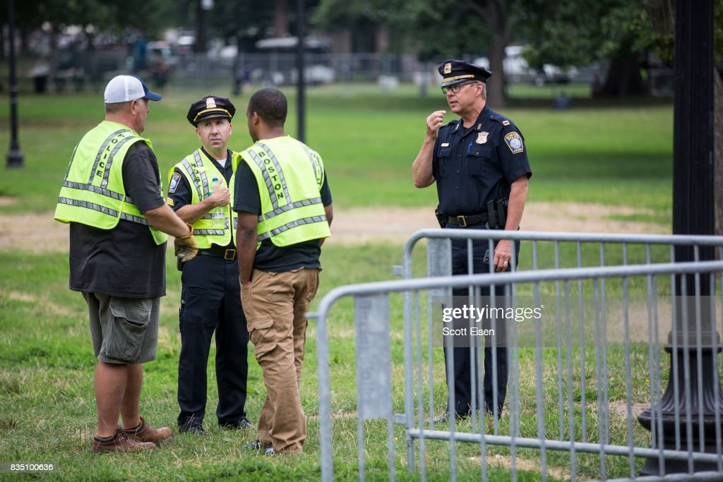 Police officials coordinate where to put barricades on the Boston Common where a 'Free Speech' rally is scheduled and a large rally against hate in solidarity with victims of Charlotestville will converge Saturday, on August 18, 2017 in Boston, Massachusetts.