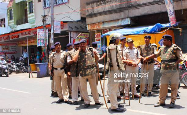 police on duty in india - madhya pradesh stock pictures, royalty-free photos & images