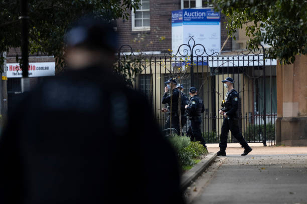 AUS: Police Mobilise For Potential Anti-Lockdown Protests In Sydney