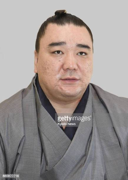 Police plan to refer retired sumo grand champion Harumafuji seen in this file photo to prosecutors soon on suspicion of assaulting fellow Mongolian...