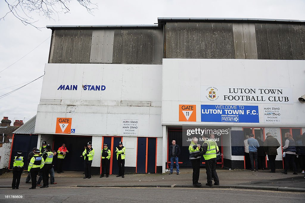 Luton Town v Millwall - FA Cup Fifth Round : News Photo