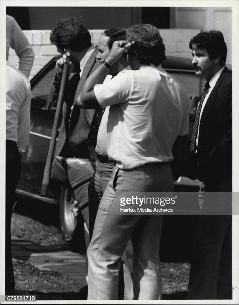 Police raid a home in Pringle St Condell Park where Bandido members met before going to the funeral September 7 1984