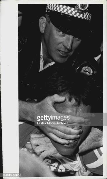 Police Raid on pubs in Liverpool last night. September 28, 1989. .