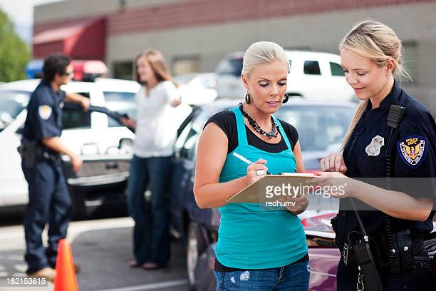 Polícia responder ao acidente de Trânsito