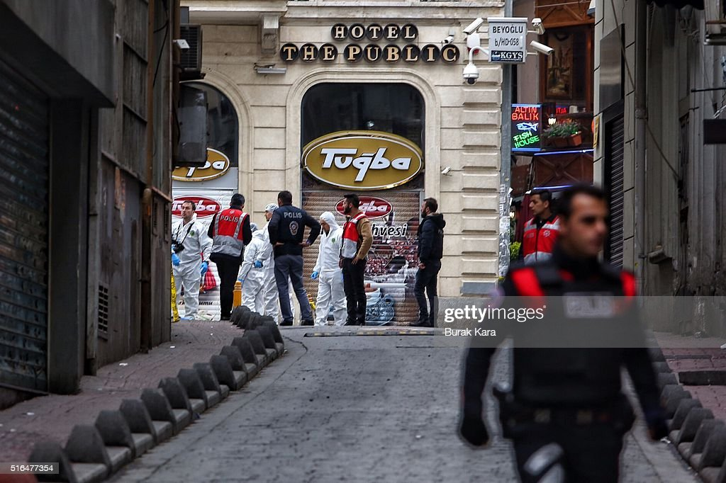 Bomb Explodes In Tourist Shopping Area Of Istanbul : News Photo