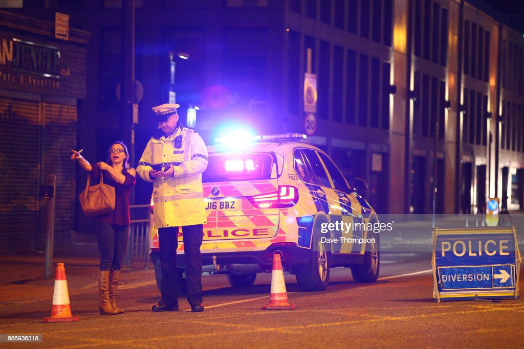 Deadly Blast at Manchester Arena : Nieuwsfoto's