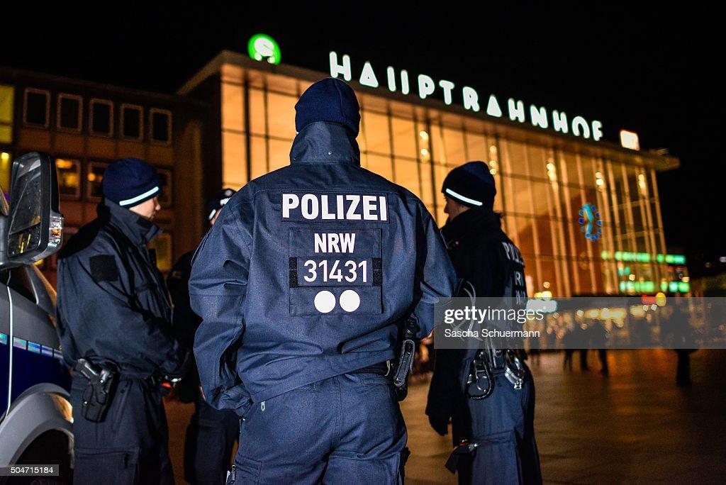 Germany Debates Consequences Of Cologne Sex Attacks : Foto jornalística
