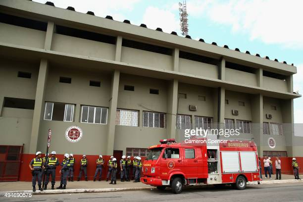 Police stand outside the Australian Socceroos training facility at Arena Unimed Sicoob on May 30 2014 in Vitoria Brazil