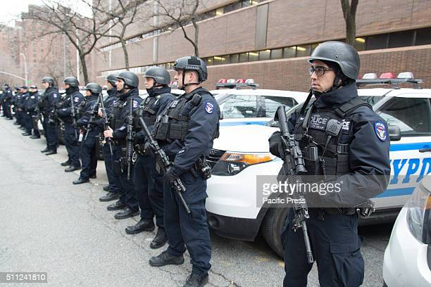 Police takes charge at the security at White House Mayor De Blasio US Senator Schumer and Police Commissioner Bratton call on White House to fully...