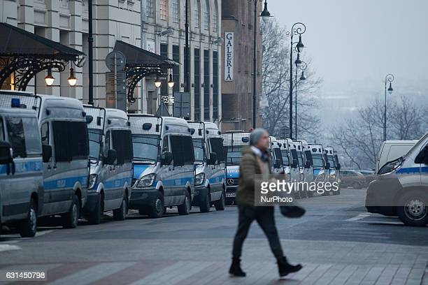 Police vans are seen near the presidentia palace on 10 January 2017 On Wednesday 11 January Polish parliament will reconvene after its winter break...