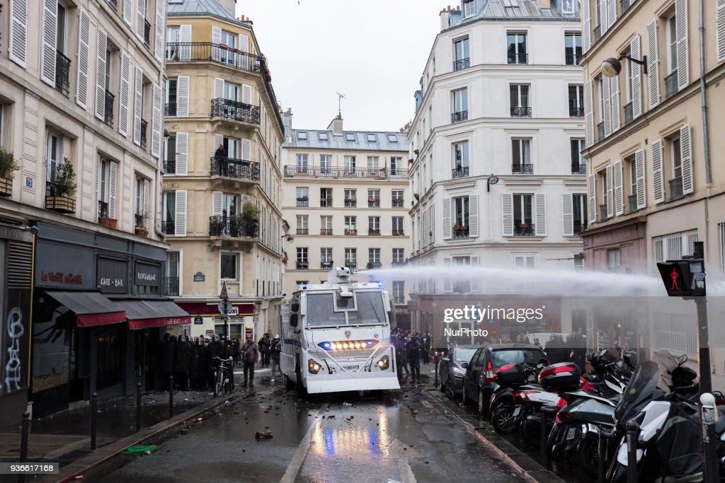 Demonstration of railway workers in Paris