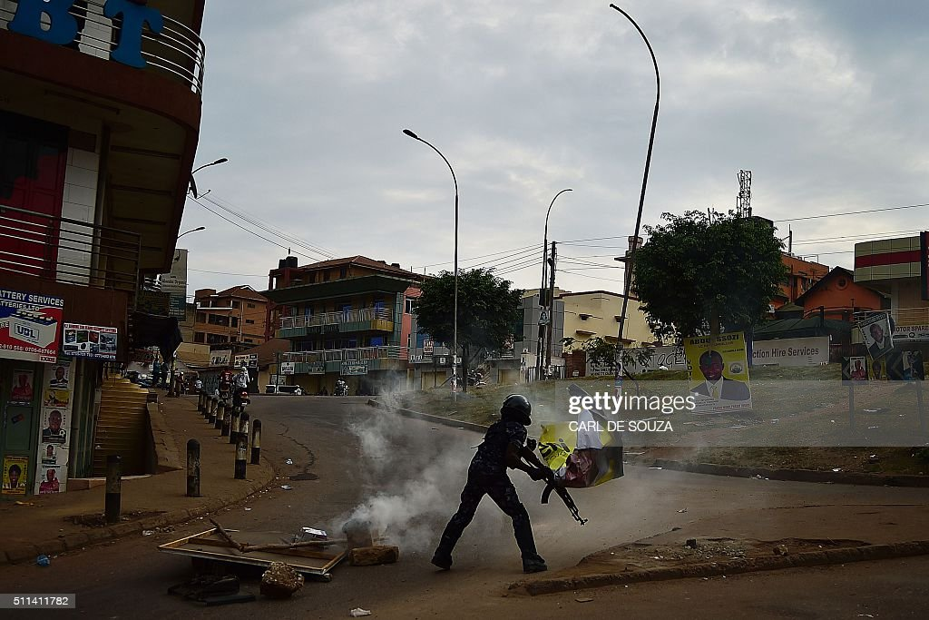 UGANDA-POLITICS-VOTE : News Photo