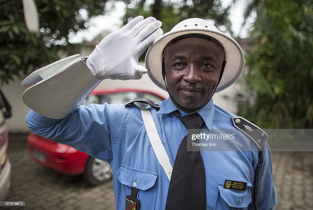 Policeman in Douala, Cameroon : News Photo