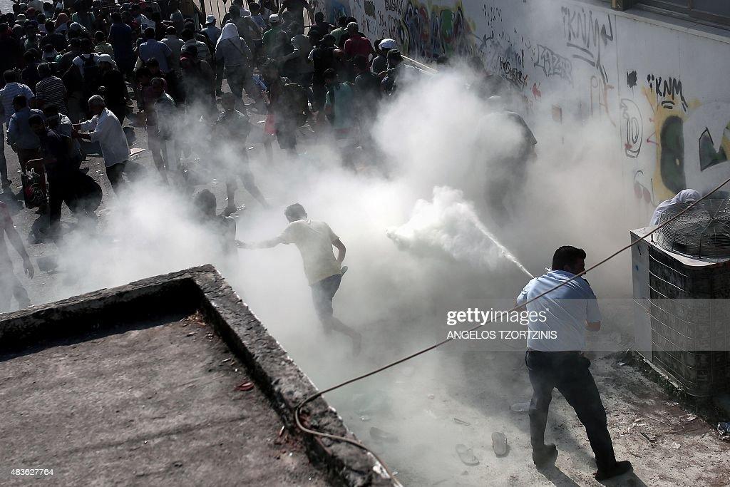GREECE-IMMIGRATION-POLICE : News Photo