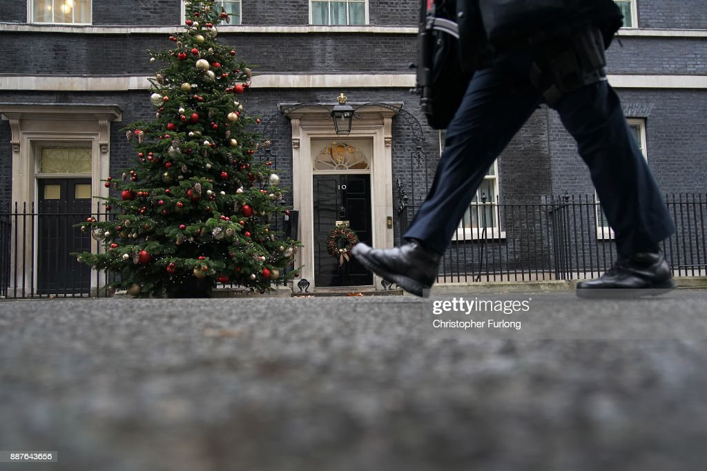 A policeman walks outside 10 Downing St on December 7, 2017 in London, England. The British Government continues to work out a deal on the matter of the Ireland border before Brexit negotiations with the EU can continue.