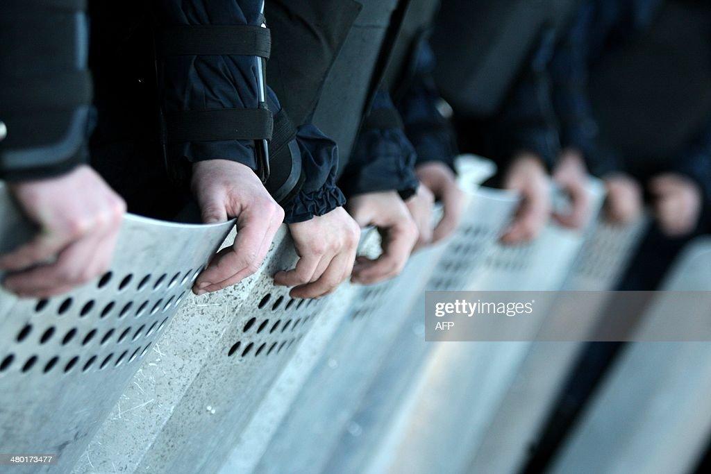 UKRAINE-RUSSIA-POLITICS-CRISIS-DEMO : News Photo