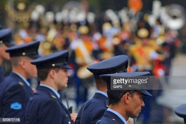policemen on lange voorhout during prinsjesdag in the hague - prinsjesdag stock pictures, royalty-free photos & images
