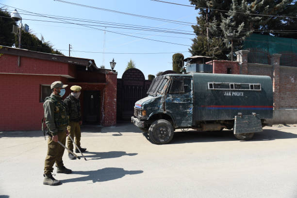 IND: Clashes Between Protesters, Police Personnel After Friday Prayers In Srinagar