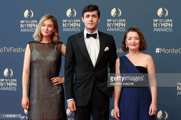 Polish actress Zofia Wichlacz British actor Jonah HauerKing and British actress Lesley Manville pose during a photocall during the 59th MonteCarlo...